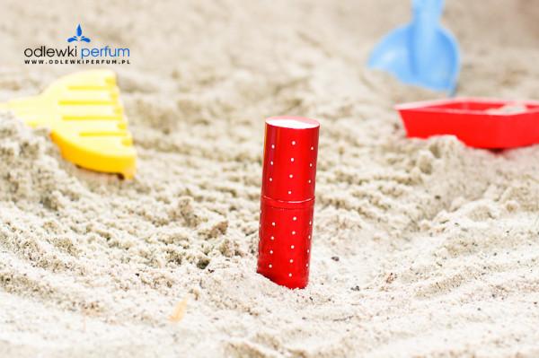 Odlewka perfum na plaży