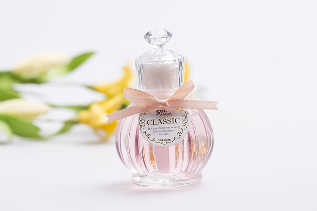 Perfumeryjna etykieta