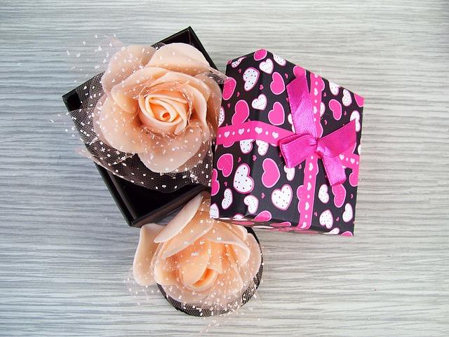 Perfumy dla mamy, czyli wybieramy prezent na Dzień Matki